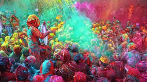 Holi-Festival-Celebrations-in-Mathura-India-2-